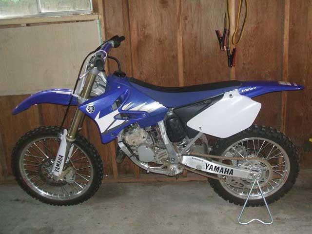 2005 YZ125 dirt bike