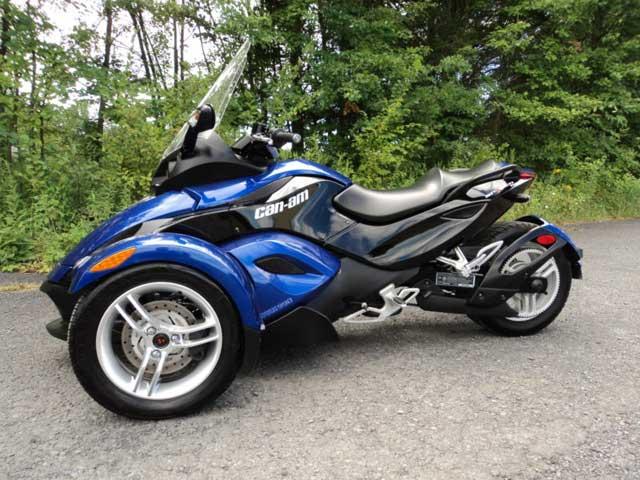 2010 Can Am Spyder trike