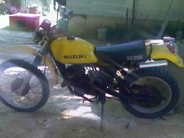 77 Suzuki PE 250